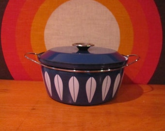 Cathrineholm Lotus Pot, Blue and White Cathrineholm Enamel Pot, Dutch Oven, Casserole with Lid, Grete Prytz, Norway, EXCELLENT CONDITION!