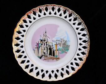 Disneyland plate. magic kingdom. vintage. castle. vacation,