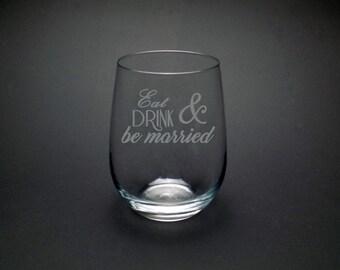 Wedding Wine Glass - Custom Wedding Glass - Bridal Wine Glass - Wedding Favor Wine Glass - Personalized Wedding Glass - Wedding Favor Glass
