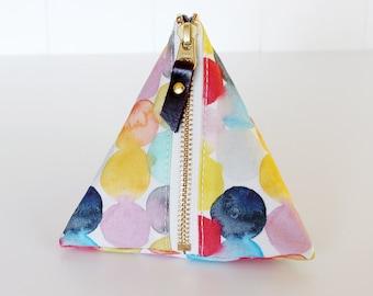 Triangle zipper pouch, bubbles