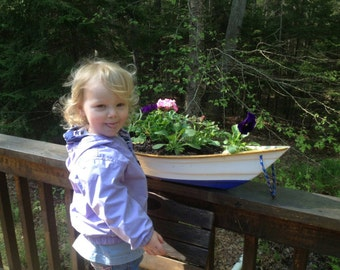 Flower  box boat style. designed for outdoors or indoors.boat planters handmade in Maine. Mounts on Deck railing or simply set it somewhere