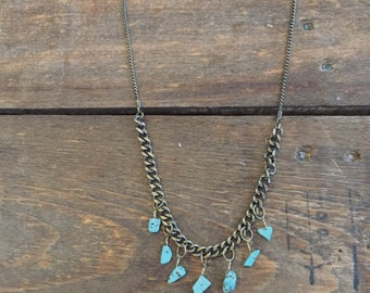 Short gold chain with turquoise stones