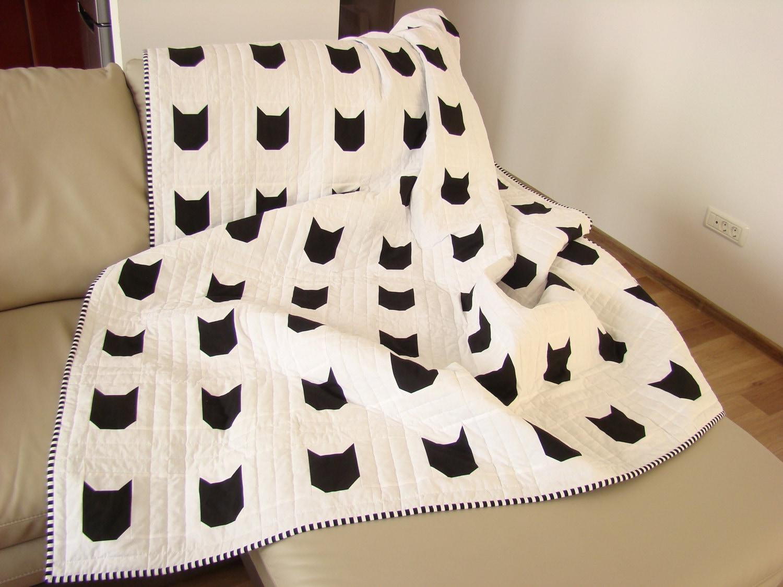 modern quilt  black  white quilt custom quilt cat quilt  - 🔎zoom
