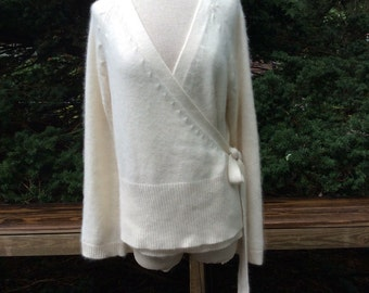 Vintage/womans/XL/cream  angora wrap sweater.