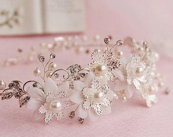Pearl flower wedding hairband - bride hair jewelry - wedding hair jewelry