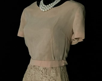 50's Soft Pink Chiffon and Lace Wiggle Dress         VG114