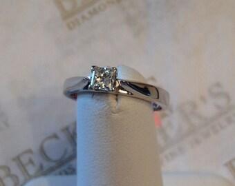 Vintage 14k white gold Princess Cut Diamond Solitaire Engagement Ring .22 ct J-I1 size 5+