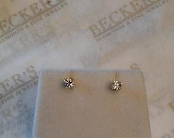 Vintage pair of 14k yellow gold Diamond Stud Earrings, 2 Round Brilliant Cut Diamonds, .30 ctw, JK-I1