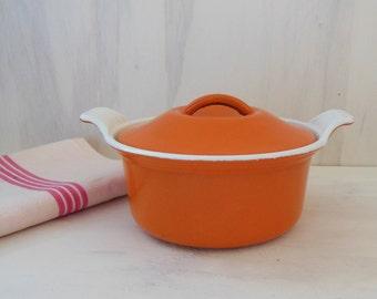 Le Creuset VINTAGE enameled cast iron covered POT . Small  bean pot !