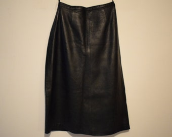 Classic 100%  leather skirt