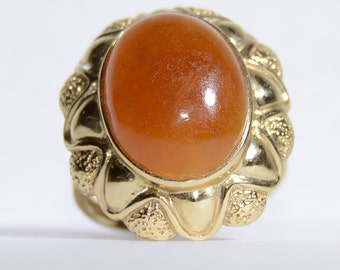 14k Yellow Gold Vintage Carnelian Ring Size 7