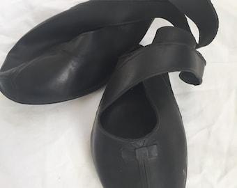 Vintage 1950s Black Rubber Overshoes - 50s Women's Galoshes - Shoe Protector - Pump Heel Rain Protection Shoes size 5 1/2 Rockabilly