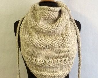 Triangle Scarf - Triangle Bandana Shawl - Knit Shawl - OOAK - Bandana Shawl - knit triangle scarf - Cream triangle shawl