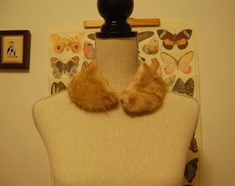 Golden sandy brown fur collar / small stole