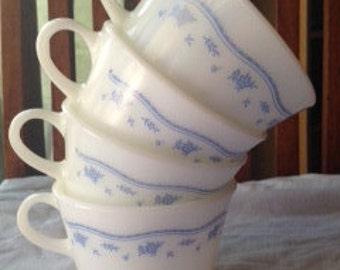 Pyrex Corning Cup Set