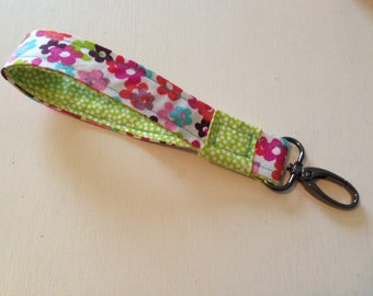 Flower and Dot Key Fob