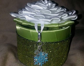 Frozen theme green kanzashi keepsake box