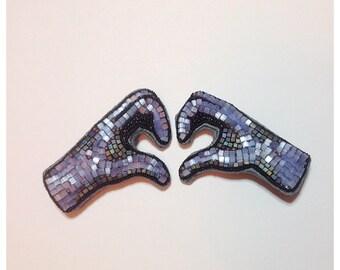 Hands beaded brooch set