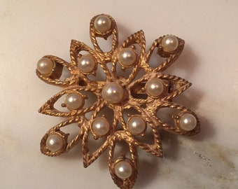 Vintage Torino gold tone and pearl brooch