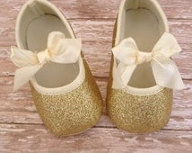 Baby Girl Shoes - baby shoes - gold baby shoes, Glitter baby shoes, Infant shoes, Gold Glitter baby shoes, gold shoes, mary janes