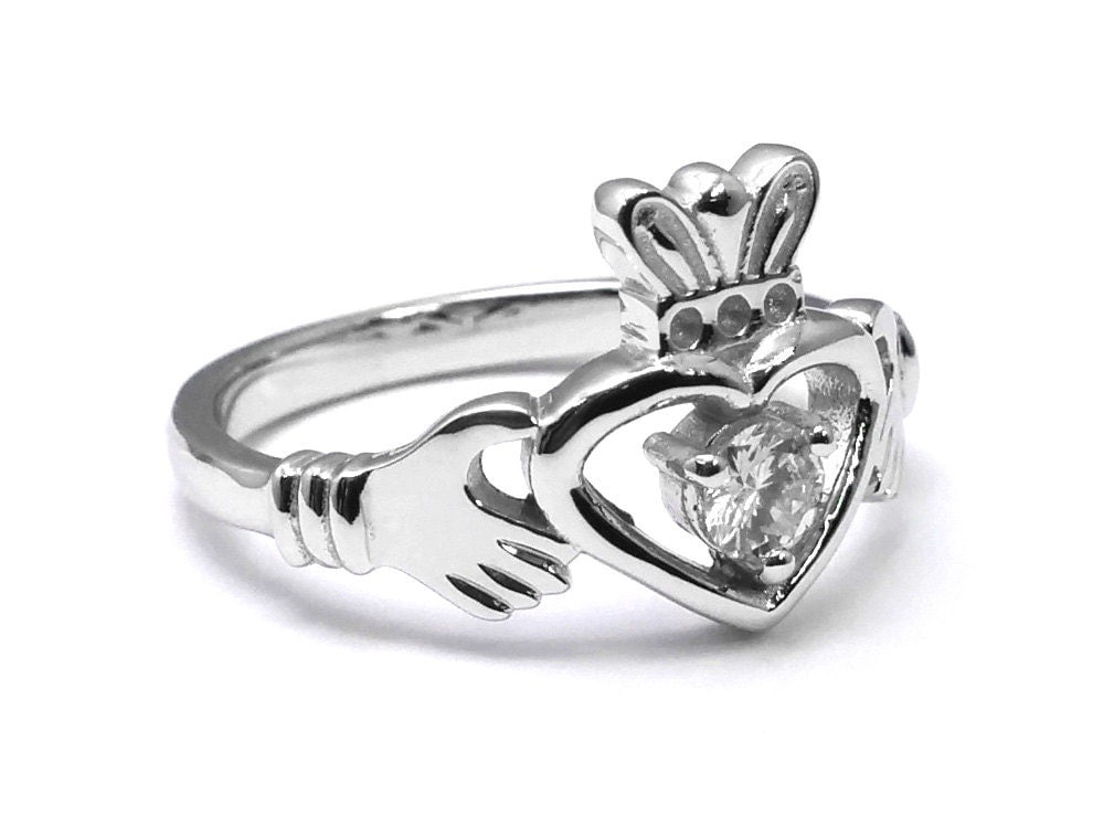 diamond solitaire claddagh engagement ring. Black Bedroom Furniture Sets. Home Design Ideas