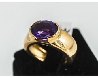 Type yellow gold ring set with an oval Amethyst ring Mineralife