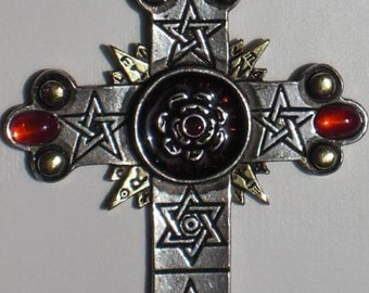Pendant roses cross pendant