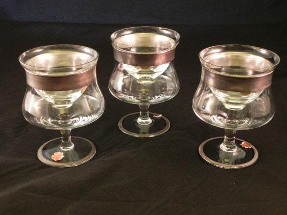 set of 3 crystal arcadia silver banded shrimp cocktail glasses. Black Bedroom Furniture Sets. Home Design Ideas