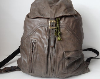 NAPSACK - Vintage Leather Material