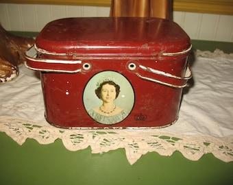 Picnic box. Small rare vintage box has lunch Queen Elizabeth 1953