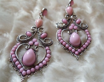 Statement Neclaces vintage ethnic earrings Silver/Pink