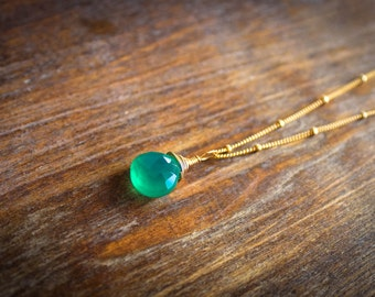 Green Onyx Necklace / Minimalist Wire Wrapped Gemstone Necklace/ Briolette Necklace