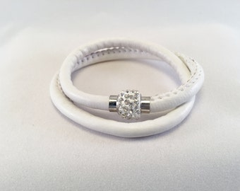 Soft white leather double bracelet with magnetic Swarovski crystal-covered shamballa style clasp, size medium