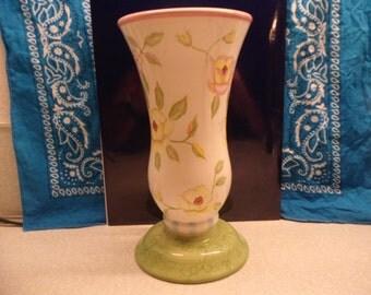 FTD Vase designed by artist Tracy  Porter
