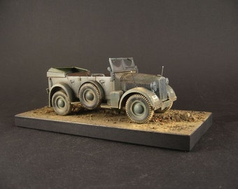 Horch in 1:35 scale + base  free !