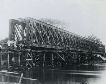 Colonial railroad bridge- 1900s photo- African Belgian colonial history- Congo- Matadi - Stanley-pool railroad- construction engineering