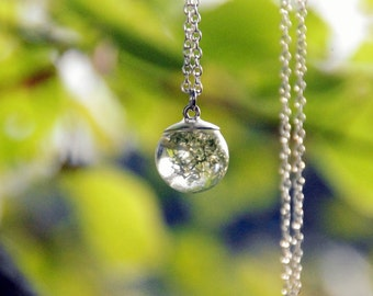 Necklace Resin Nature during Lichen Sphere gift for a woman pearl gift for a friend necklace nature lichen sphere gift Pearl Green