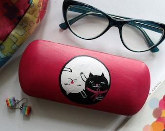 Glasses case yin and yang - yin-yang art - yin and yang gift - philosophy yin&yang - gift for girlfriend - gift for friend - cats yin-yang