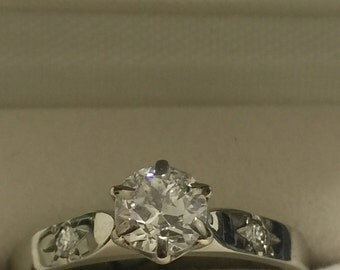 An Art-Deco 18K White Gold & Platinum Diamond Ring