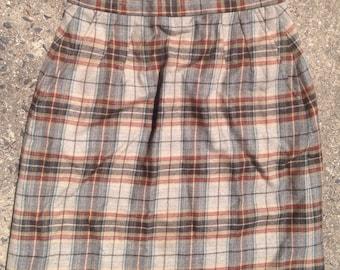 Cute checkered highwaist skirt