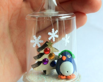 Christmas tree ornament pinguin
