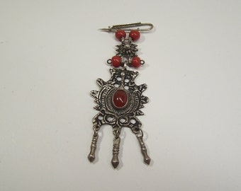 antique traditional silver 500 brooch