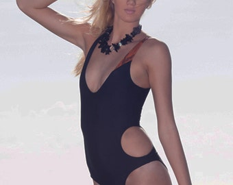 Color blocking black and orange monokini