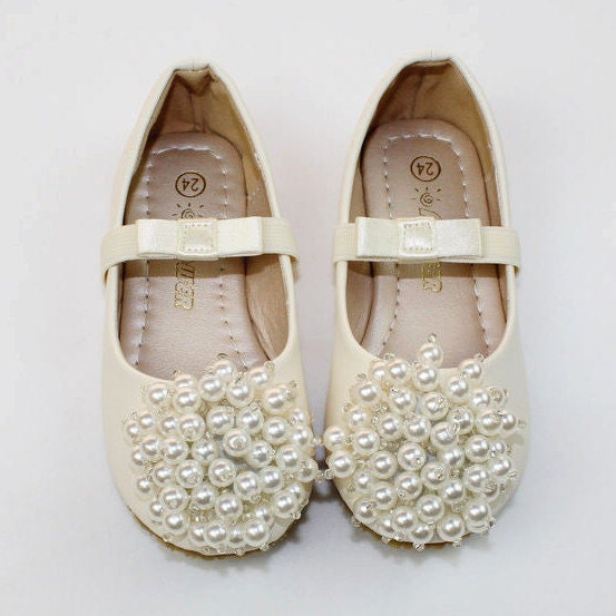 Ivory Flower Girl Shoes/ ivory pearl Toddler Girl Shoes/Pearl