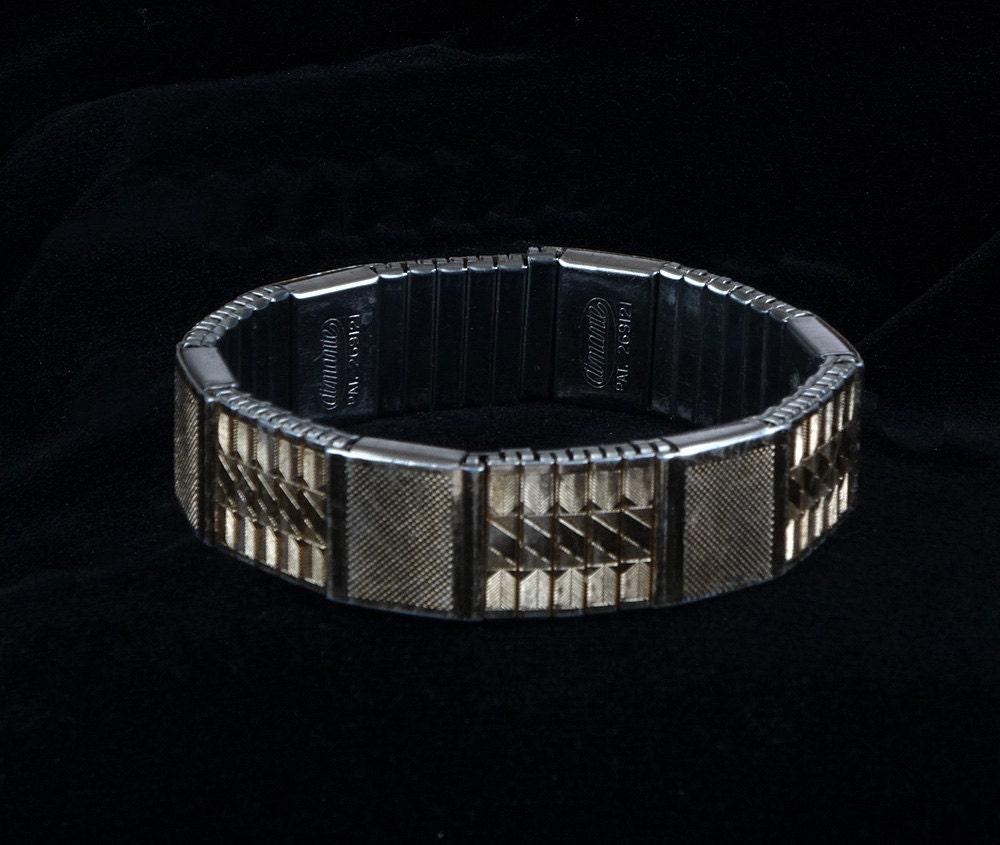 bracelet magn tique aimante extensible dor bracelet. Black Bedroom Furniture Sets. Home Design Ideas