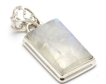 Moonstone Pendant, 925 Sterling Silver, Unique only 1 piece available! weight 5.6g, #43977