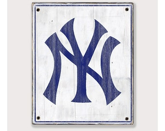 New York Yankees - Distressed Rustic Wood sign - Yankees fan gift - Man cave Boys room Sports Bar decor Fathers Day gift for Dad