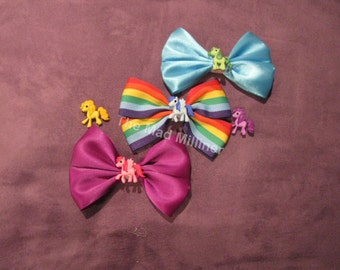 Colourful pony hair bows