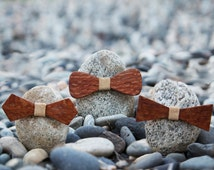 Leopard Wood Bow Tie - Sand color leather accent