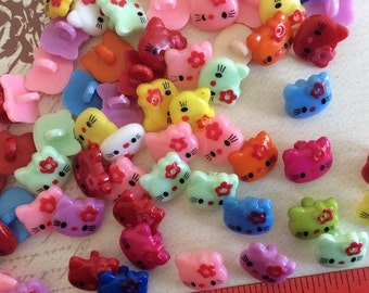 SET of 20 Assortment of Colored Kawaii Cute Kitty Cat Shanked Buttons Craft knitting Embellishment